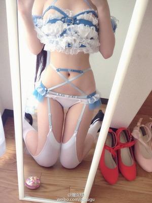性欲を刺激する萌え系エロランジェリー女子画像!