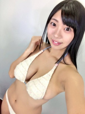 純朴顔のくびれHカップ!桐谷まつりちゃんのグラビア&自撮り画像!