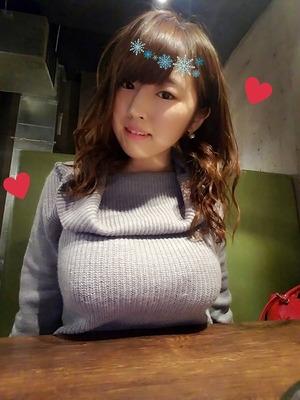 地味子系・爆乳Jカップ松本菜奈実ちゃんの自撮りがおっぱいが凄い!着衣もパイスラも!