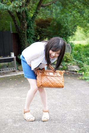 単体売りのパイパン美少女がデビュー2作目でリモコンバイブ調教されててエロかわwww