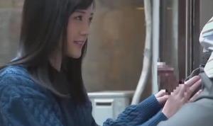 【清楚系若妻動画】義父オチ○ポに癒し系のご奉仕フェラする黒髪奥さんw