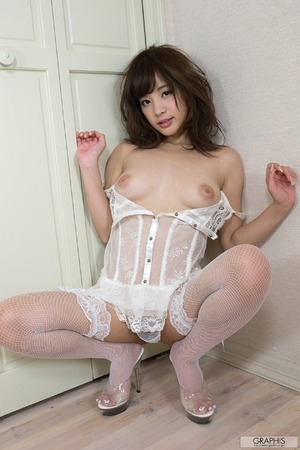 momonogi_kana_4675-074s