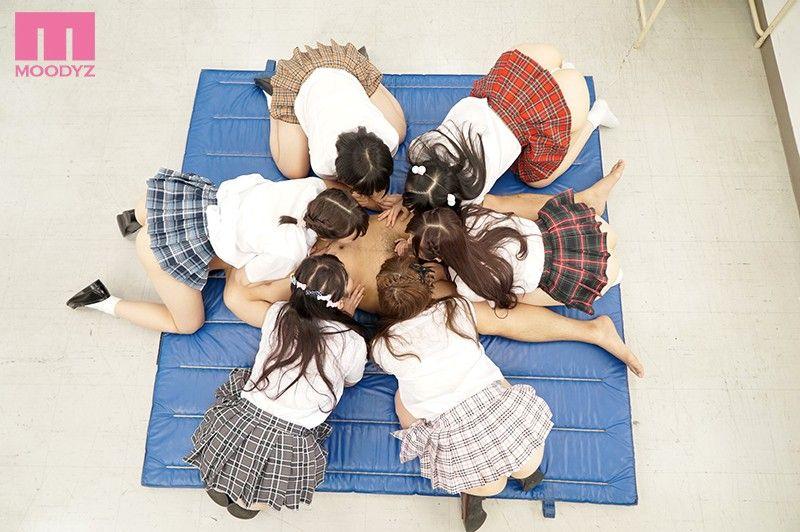 仲良し小中学生が剥き出しにしてチンポ貪るフェラチオが尋常じゃなくエロい画像