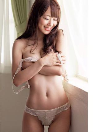 【清楚系ビッチ】元日テレジェニック清水ゆう子のノーブラYシャツwセミヌードグラビア画像