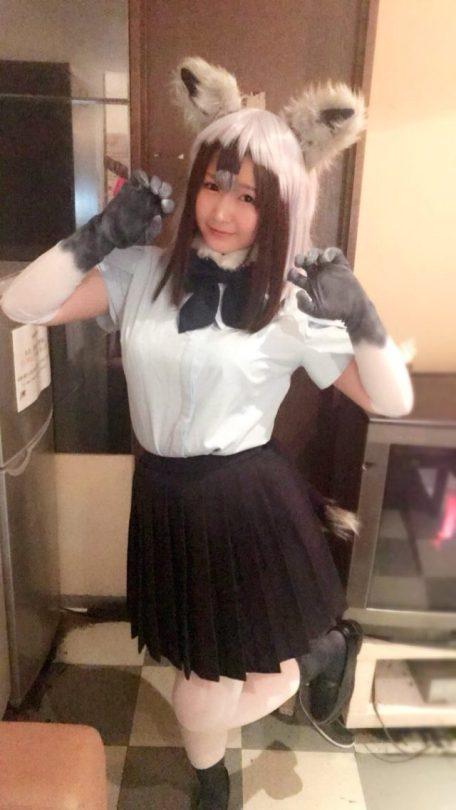 人気のロリ女優・浅田結梨ちゃんのけもフレコスプレ&キュート自撮り!