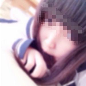 【清楚系ビッチ】制服でエロ自撮り!きゅんとあがったお尻がかわいい素人女神www