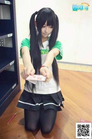 【清楚系ビッチ】若干のヤンデレ臭www黒髪コスプレイヤー画像!
