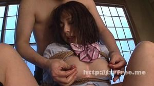【清楚系ビッチ】緊縛調教を受けるドM少女が乳首をコリコリで本気汁w
