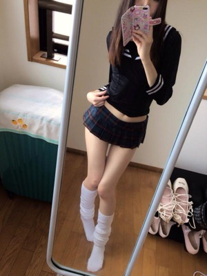 【キュートビッチ】素人、グラドル、AV女優、エロ自撮りする女の子画像!