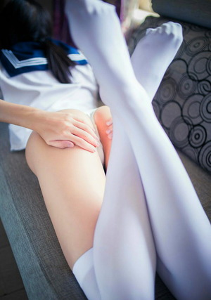 【清楚系ビッチ】やっぱ制服女子のエロス画像は実用性が高いよねwww