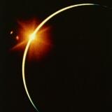 日食 ダイヤモンドリング