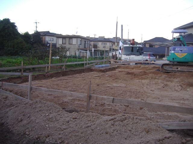 重富の家〜基礎遣り方・床掘り2