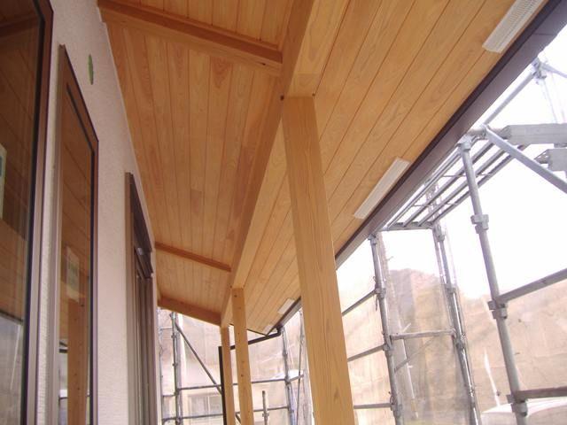 国分の家・軒裏木部の塗装完了