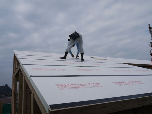 重富の家・屋根断熱施工中3