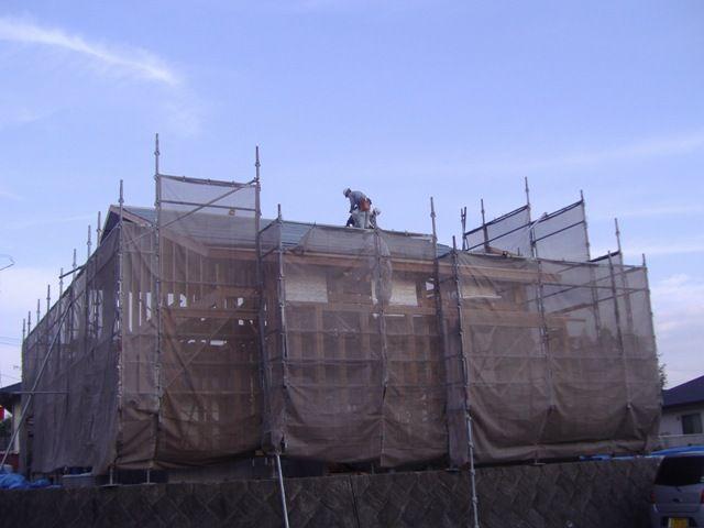蒲生の家・屋根下地施工中