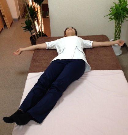 腰椎の動診 右側屈