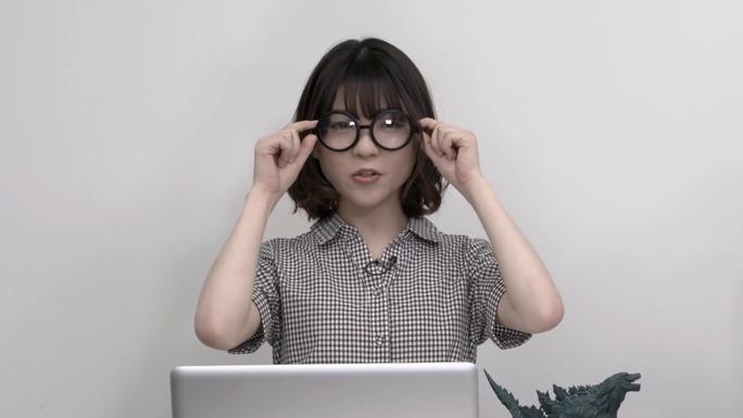 reina_ueda-ari_ozawa-180601_a05