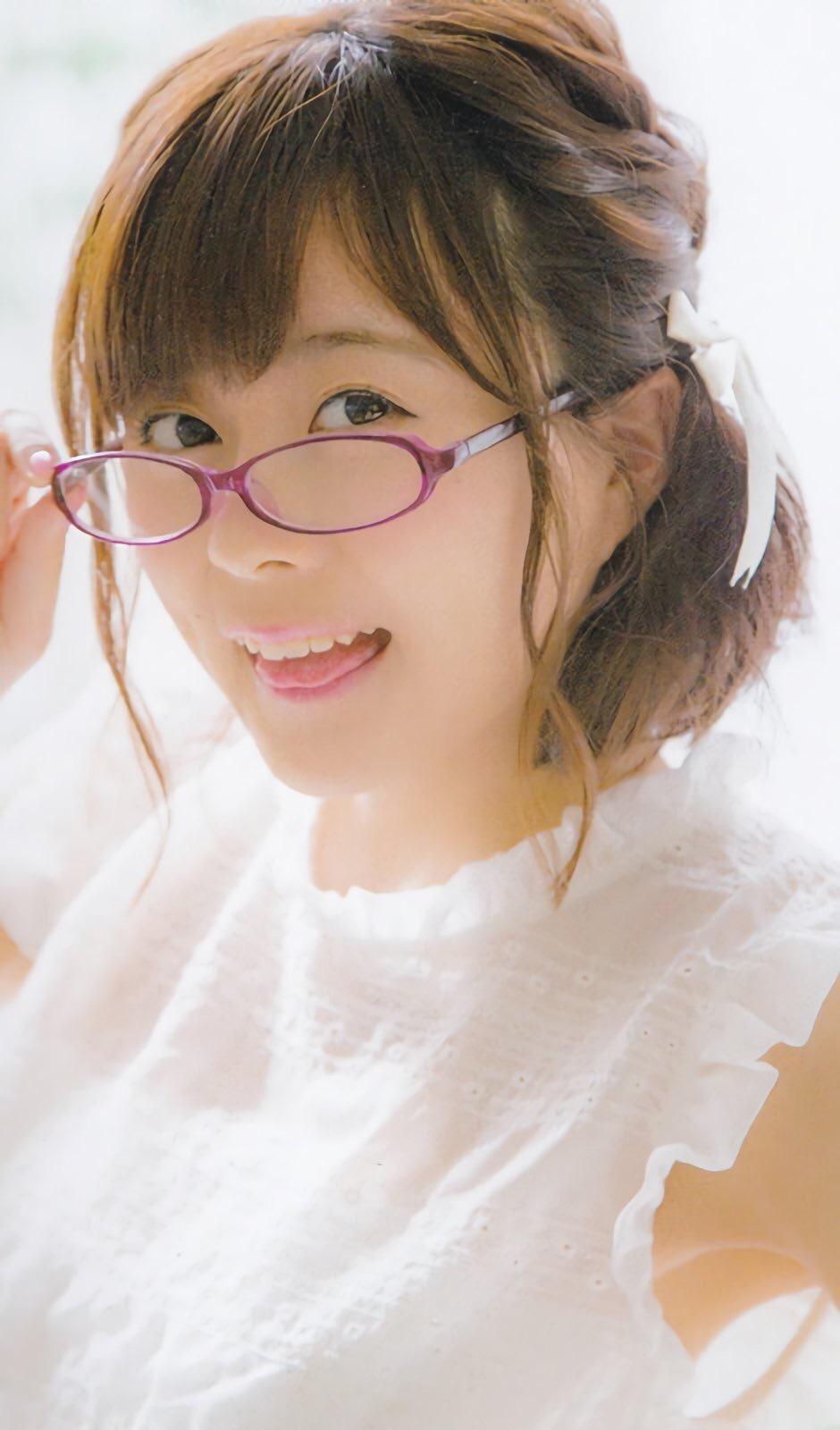 メガネをかけた水瀬いのりさん