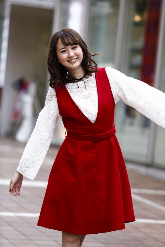 安野希世乃さんのカクテルドレス姿
