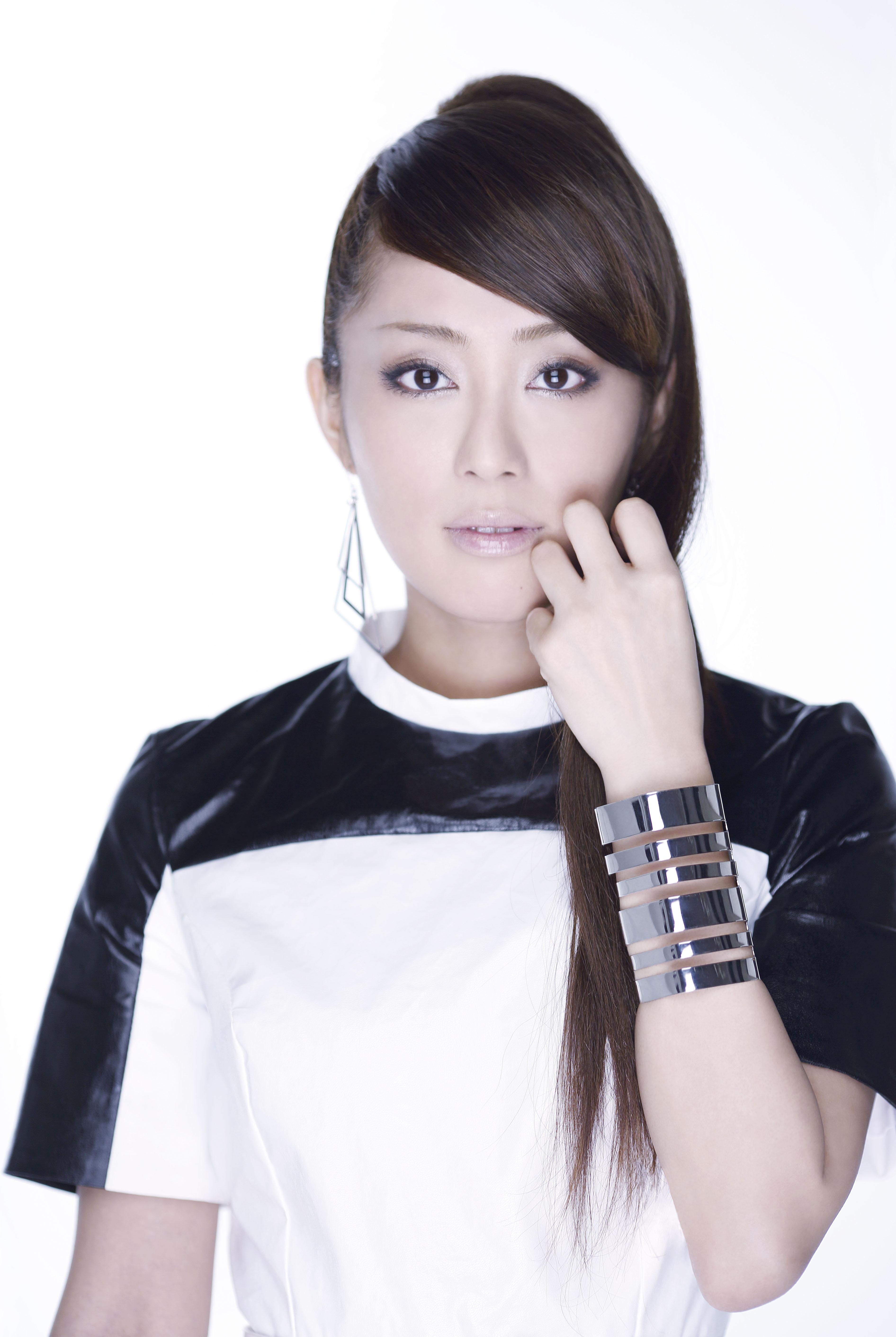 髪のアクセサリーが素敵な日笠陽子さん