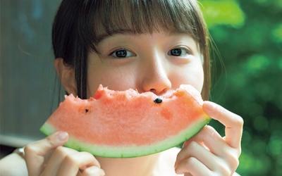 yuka_ozaki-t16