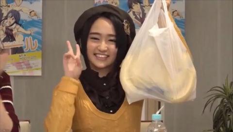 声優の悠木碧さんと千本木彩花さんがバナナの叩き売りを目の前で体験!!