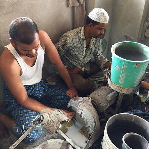 インド 天然石 研磨