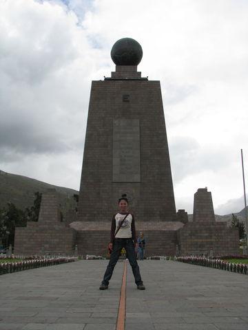 エクアドル 赤道記念碑