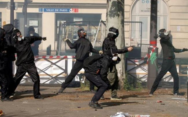 フランスで暴動