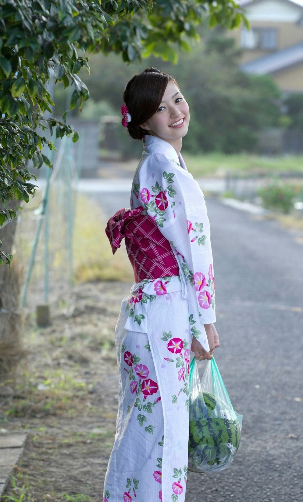 世界の憂鬱  海外・韓国の反応【日本人女性最高!】 韓国人「美しい日本人女性の着物姿をご覧下さい」 コメントコメントする