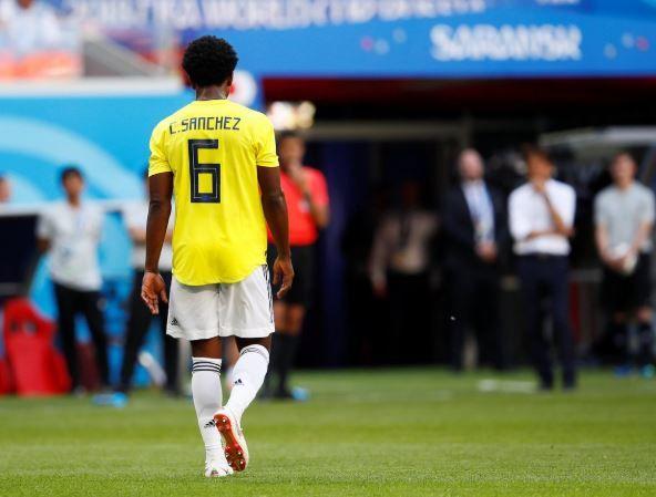 【サッカー】海外「日本代表と対戦したコロンビアのサンチェス選手が2分56秒で退場‥母国に帰っても安全だと良いが‥」 海外の反応