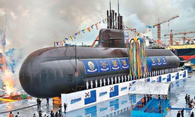 海外「日本が射程圏に?」韓国が独自設計した潜水艦のスペックが明らかに‥SLBMを発射できる垂直発射管6門を搭載!