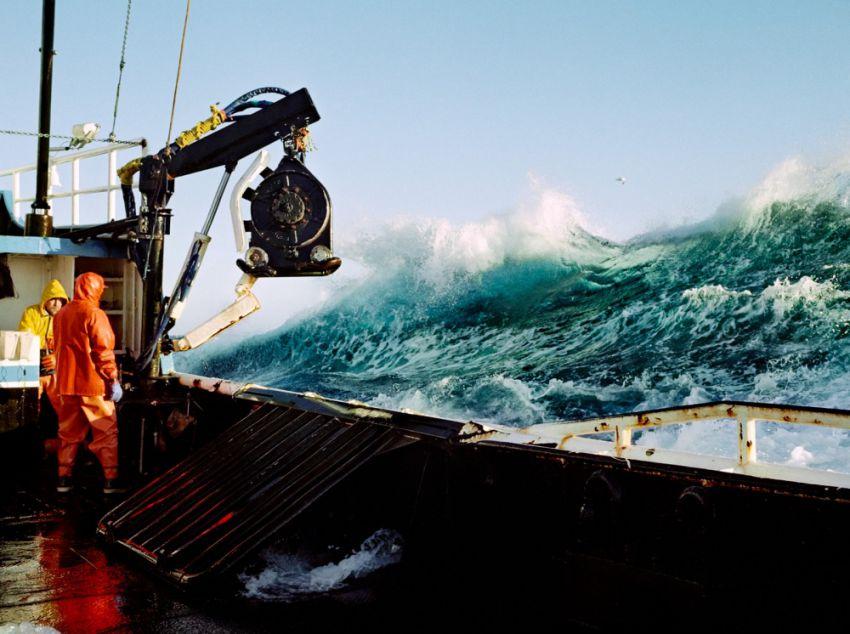 世界の憂鬱  海外・韓国の反応【一攫千金?】 ロシア人「ベーリング海での過酷なカニ漁の様子をご覧下さい」 【画像】コメントコメントするトラックバック