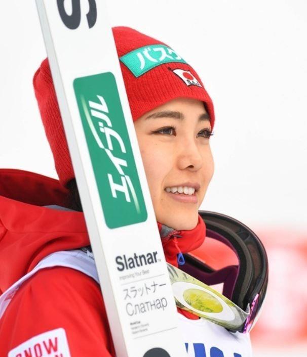 韓国人「日本は何でも韓国を意識する不思議な民族」日本スキージャンプの高梨沙羅の美貌がキムヨナを脅かす美貌で韓国で人気! 韓国反応