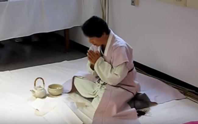 海外「これが韓国の茶道!」韓国のお茶の達人がアメリカで韓国抹茶パフォーマンス 海外の反応