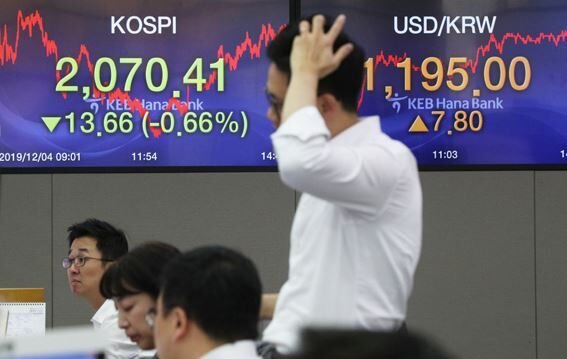 【韓国経済崩壊】韓国人「これが国か?」外国人が5兆ウオンの韓国株を売却!歴代級のセールコリアを行う 韓国の反応