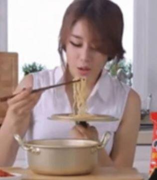 韓国人「韓国式ラーメンは日本が元祖ですか?」日本のラーメンが韓国式に改良されたのが、今のラーメンなのですか? 韓国の反応