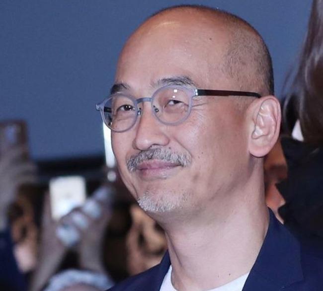 イ・ジュンイク監督