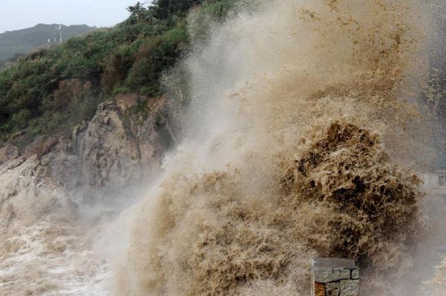 【台風】海外「台風8号(マリア)が中国を直撃!大きな加速度で爆発的に成長する」 海外の反応