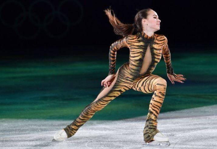 世界の憂鬱  海外・韓国の反応[画像]ザギトワ選手(15)が全身トラ柄のタイツを着て登場!羽生結弦選手とのツーショット写真も 海外の反応コメントコメントする