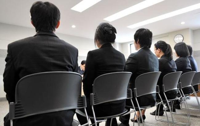 【韓国経済崩壊】韓国人「仕事を失ってから1年以上の「30代の失業者」の数が歴代最高 韓国反応