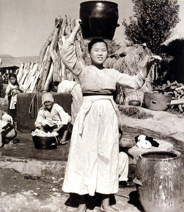 乳 出し チョゴリ ドラマ 【韓日友好】動画で見る「 乳出しチョゴリ 」文化被服学的資料