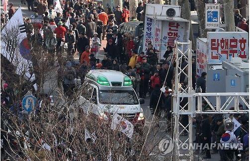 朴槿恵前大統領の弾劾反対デモも死傷者
