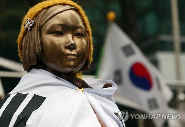 韓国の慰安婦少女像