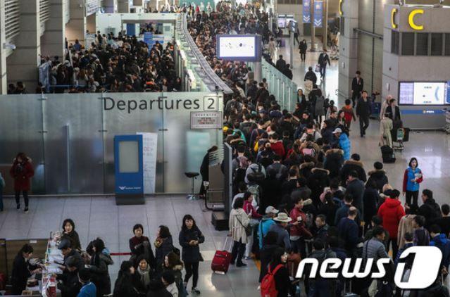 韓国人「訪日韓国人が史上初700万人を突破!」→「お金の無い人が日本旅行に行くから‥」 韓国経済ニュース