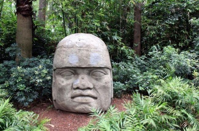 メキシコの石像