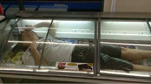 man_freezer_01