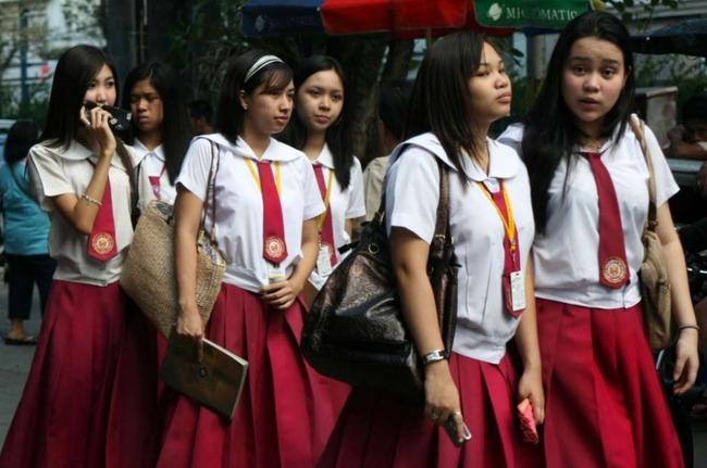 フィリピンの女子高生