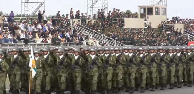 陸上自衛隊の行進