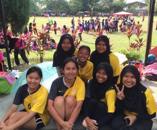 マレーシアの女子高生